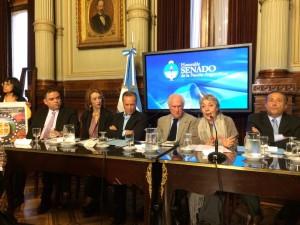 Diretora da 350.org Brasil, Nicole Figueiredo de Oliveira, e o Coordenador da COESUS, Juliano Araújo, participavam do encontro suspenso pela ameaça de bomba no Senado Federal.