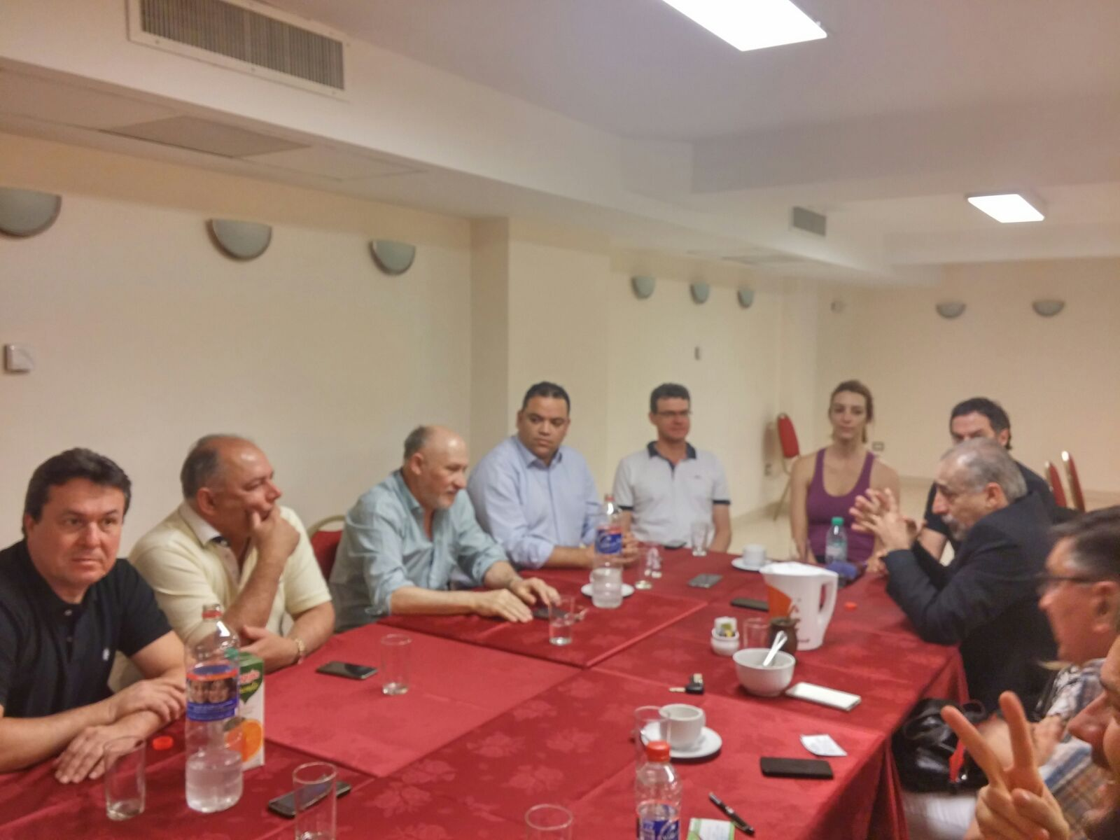 Reunião com deputados provinciais e vereadores de Neuquén