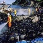 Trabalhos de recuperação após o acidente do Exxon Valdéz