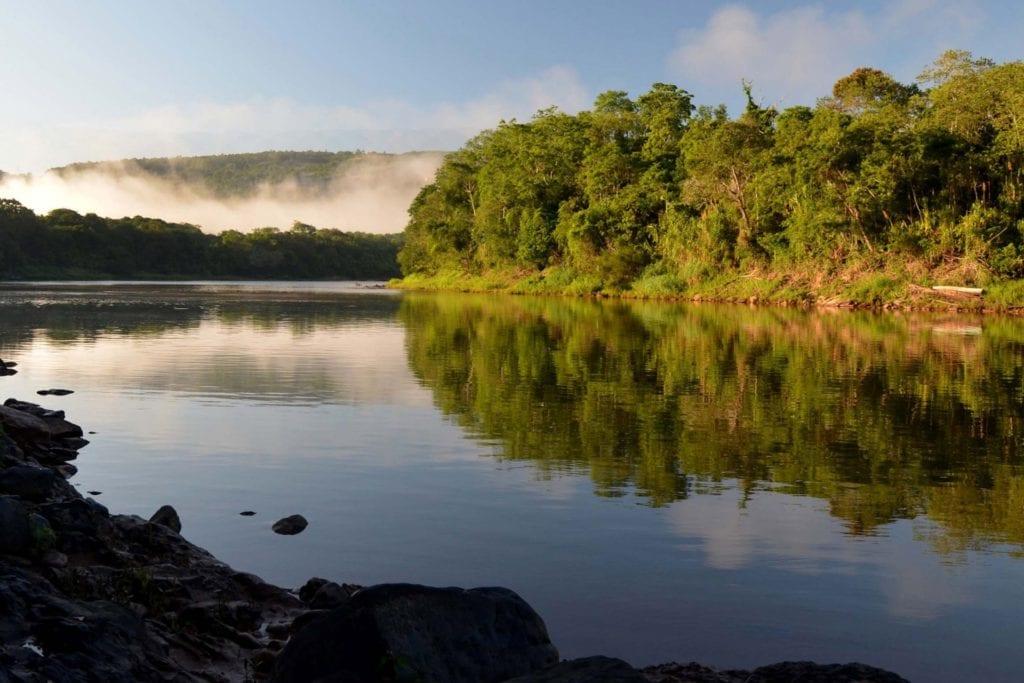 Bacia Hidrográfica do Rio Tibagi. Águas do Paraná que hoje são enquadradas na classe 2 podem virar classe 4, a pior em termos de qualidade (Foto: Secretaria Estadual do Paraná).