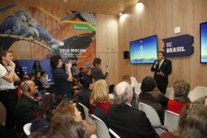 Brasil recua candidatura